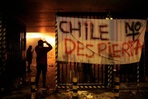 Insatisfação no Chile vai além de aumento na tarifa do metrô