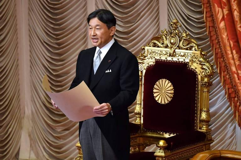O imperador do Japão, Naruhito, durante a abertura de uma sessão extraordinária em Tóquio