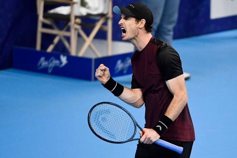 Andy Murray comemora durante a final contra Stan Wawrinka na Bélgica