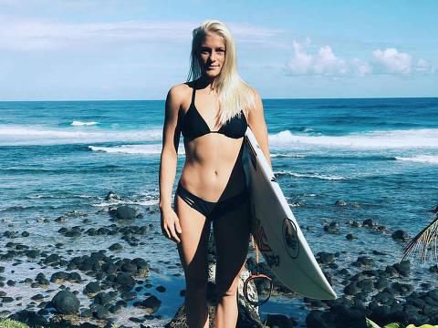 21.08.2017 , Tatiana Guimarães Weston-Webb é uma surfista profissional brasileira naturalizada havaiana que está na World Women's Championship Tour.Credito Divulgacao Facebook ORG XMIT: YbgQpkTAyHc_p8xEaPkl