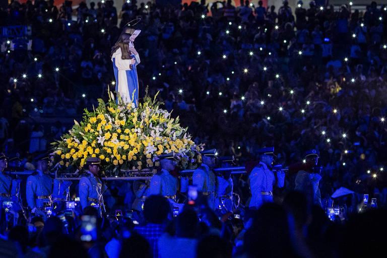 Missa para Irmã Dulce é celebrada em estádio de Salvador