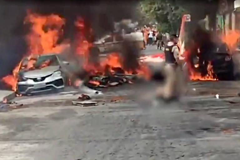 Avião causou incêndio após cair sobre carros em Belo Horizonte na manhã desta segunda-feira (21)