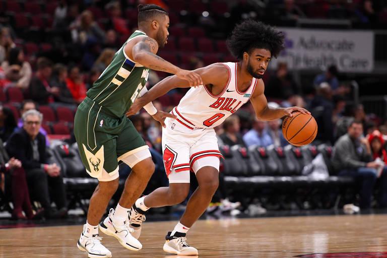 O armador Coby White em jogo pelo Chicago Bulls na pré-temporada da NBA