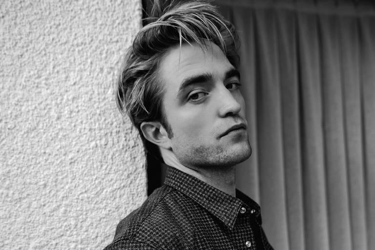 Robert Pattinson diz achar 'estranho' que ele seja considerado bonito