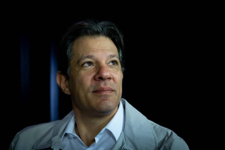 Fernando Haddad em entrevista no estúdio da Folha e do UOL em Brasília