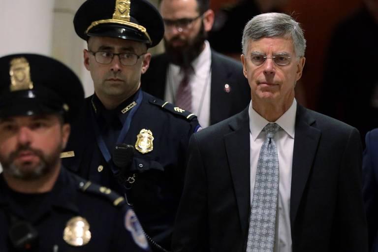 William Taylor (dir.), principal diplomata americano na Ucrânia, chega ao Congresso dos EUA para seu depoimento