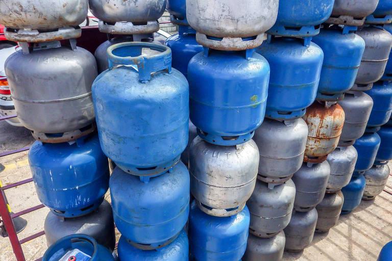 Post engana ao afirmar que preço do gás só não caiu significativamente por causa dos governadores