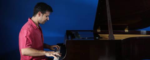 SAO PAULO/ SP, BRASIL, 21-10-2019: Christian Budu, pianista começa a série de concertos de Budu com a Osesp .   (Foto: Zanone Fraissat/Folhapress, ILUSTRADA)***EXCLUSIVO****
