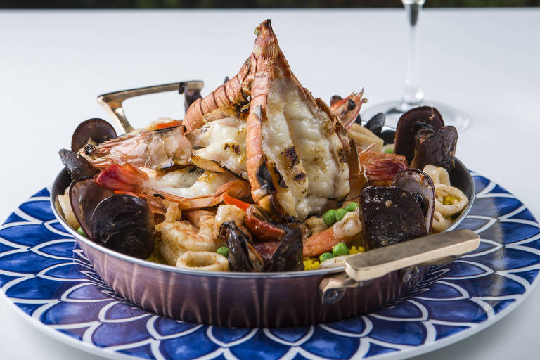 Paella com cauda de lagostas do La Casa Península Ibérica