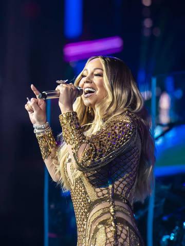 Mariah Carey se apresenta em Dubai