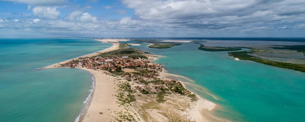 A península de Galinhos (RN), onde fica o povoado de mesmo nome, ainda preservado e de difícil acesso