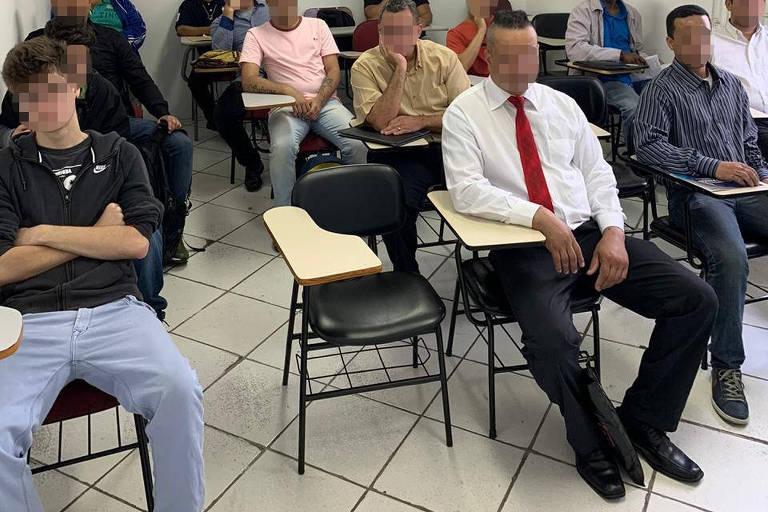 Suspeitos de cobrar por falsas vagas de empregos são presos