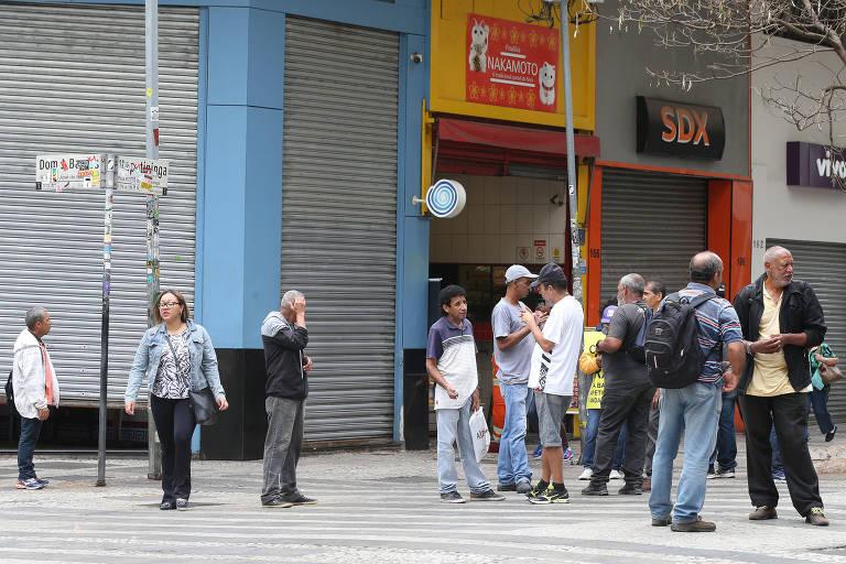 Esquina do desemprego no centro de São Paulo