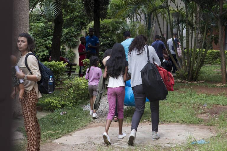 Venezuelanos chegam a abrigo no centro de São Paulo
