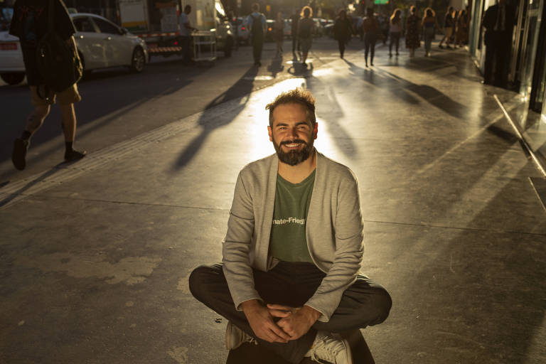 O engenheiro Diogo Tolezano, 35, criou a Pluvi.On, organização que alerta a população sobre chuvas fortes e enchentes a partir de estações pluviométricas baratas, com tecnologia nacional
