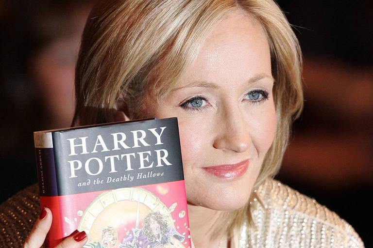 J.K. Rowling denuncia abuso em orfanatos e diz que turistas colaboram indiretamente