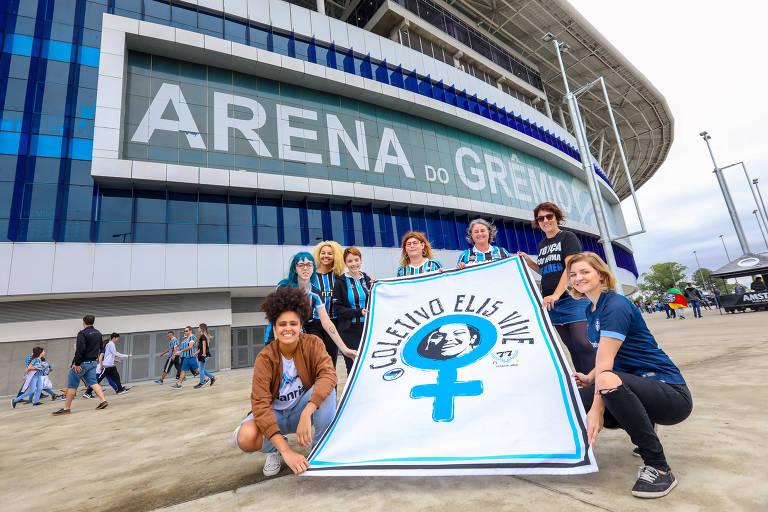Integrantes do coletivo feminista de torcedoras do Grêmio inspirado em Elis Regina