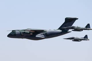 BOLSONARO / KC 390 / CARGUEIRO / EMBRAER / FAB