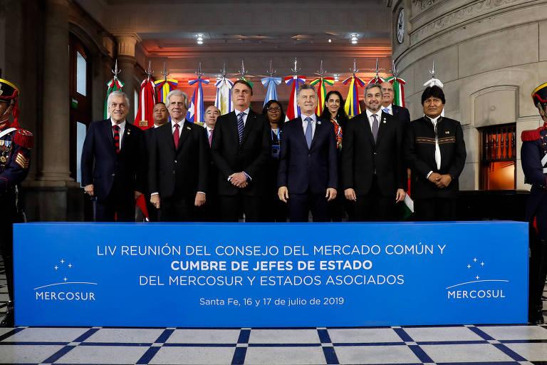 O presidente Jair Bolsonaro com os demais chefes de Estado e de governo do Mercosul
