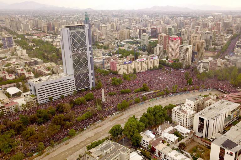 Cerca de um milhão e duzentas mil pessoas se reuniram em prol de reformas do sistema econômico