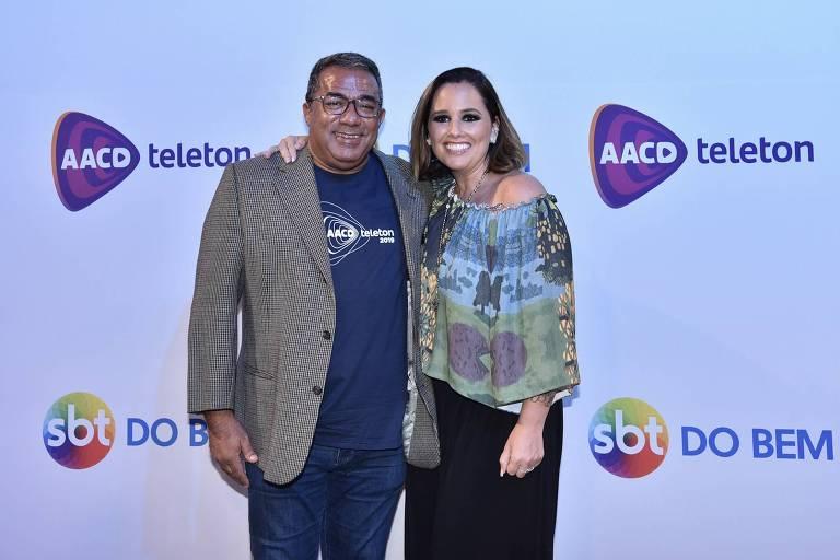 Pai de Anitta, Mauro Machado, ao lado de Mariana Belém