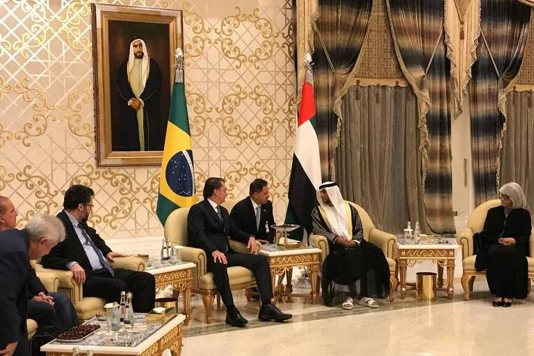O presidente Jair Bolsonaro durante recepção após sua chegada em Abu Dhabi