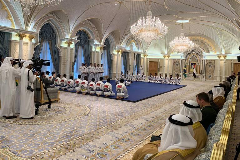 Bolsonaro assiste à apresentação de jiu-jítsu brasileiro em Abu Dhabi