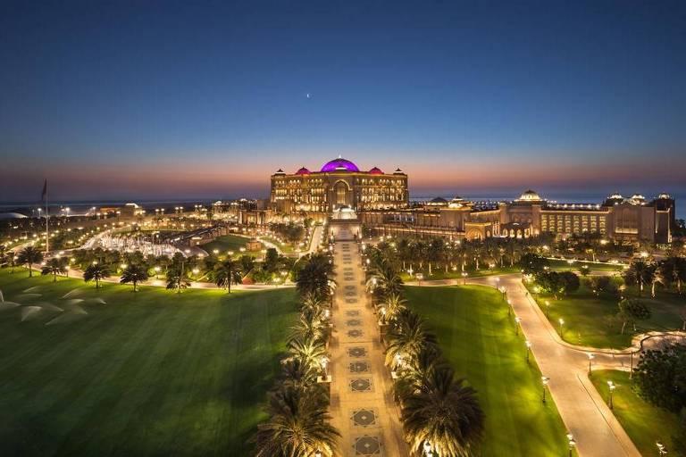 O hotel Emirates Palace, em Abu Dhabi