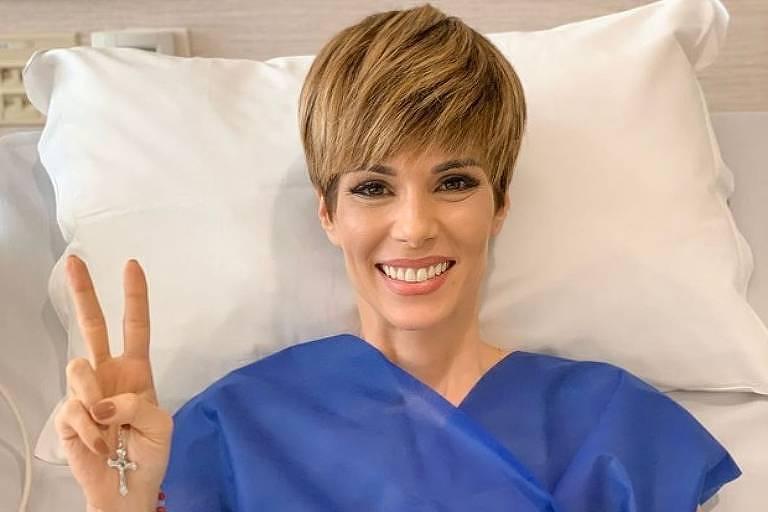 A apresentadora Ana Furtado celebra fim de tratamento
