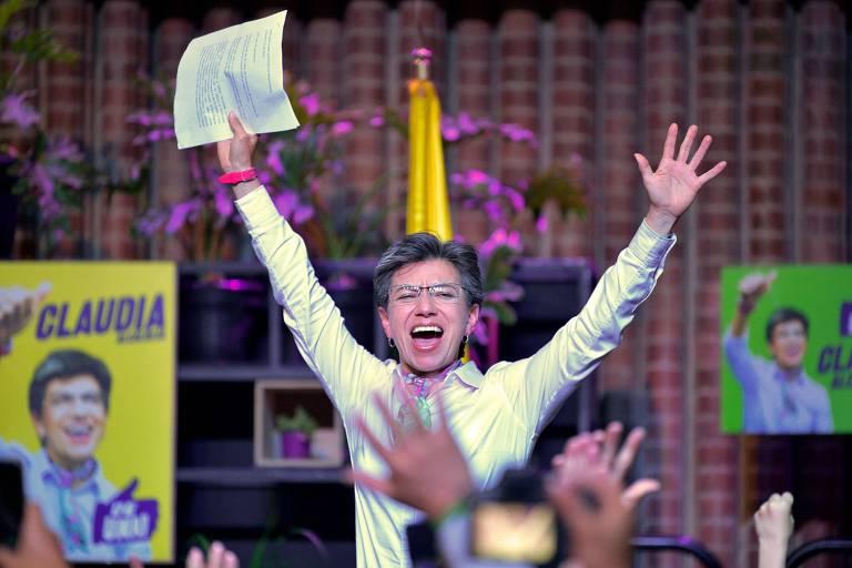 Claudia López comemora vitória para a prefeitura de Bogotá, capital da Colômbia, neste domingo (27)