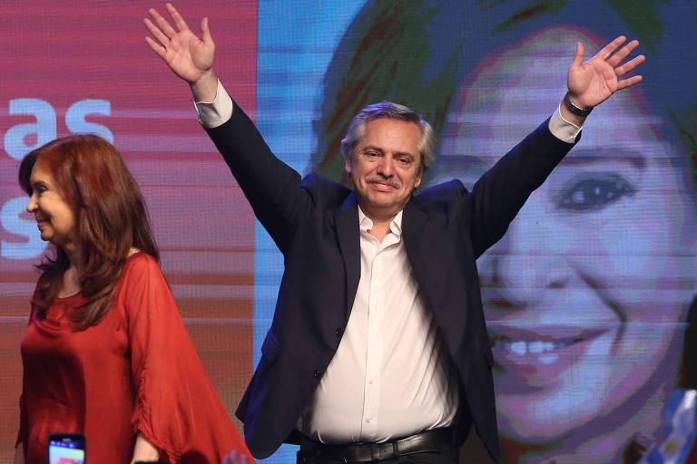 O presidente eleito, Alberto Fernández, ao lado de Cristina Kirchner, celebra vitória na Argentina