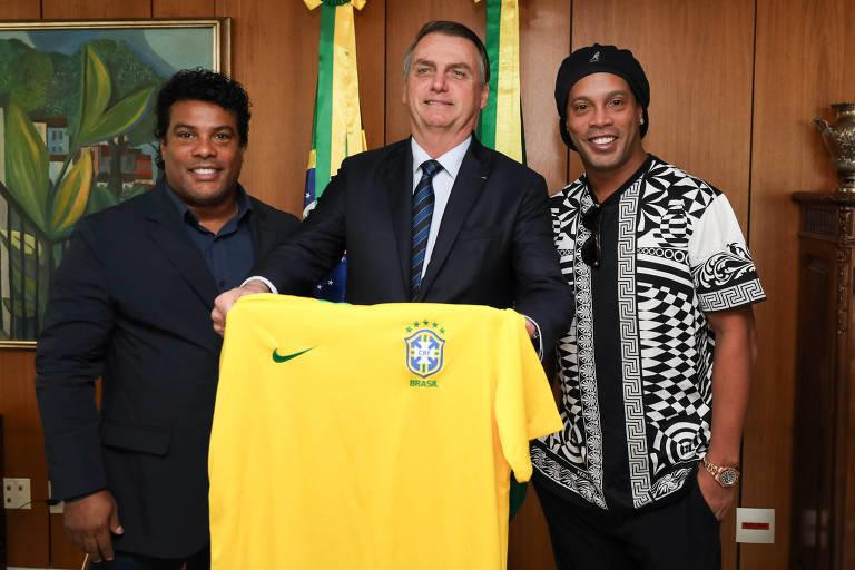 Ronaldinho Gaúcho durante encontro com o presidente Jair Bolsonaro no Palácio do Planalto