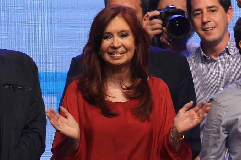 Cristina Kirchner celebra vitória na eleição da Argentina; ela é vice de Alberto Fernandez
