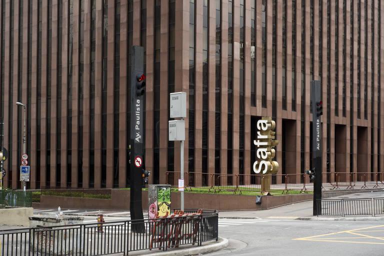 Banco Safra na avenida Paulista; herdeiro deixa conselho do grupo