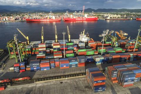 Assoreamento faz navios desistirem do porto de Santos