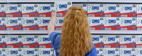 Cena do filme 'Despedida', campanha da agência MullenLowe Brasil para a Omo