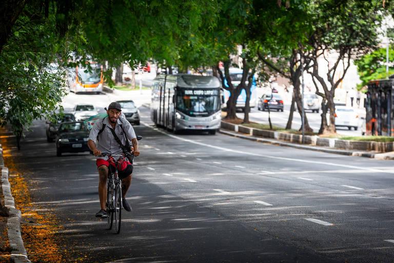 Ciclistas reclamam da falta de aviso para obras na Consolação