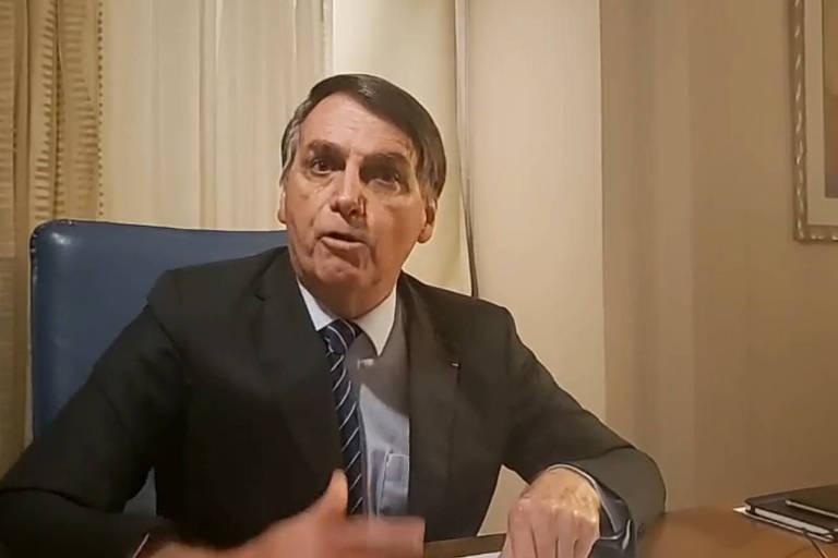 Bolsonaro fala em transmissão ao vivo em rede social e nega envolvimento na morte de Marielle