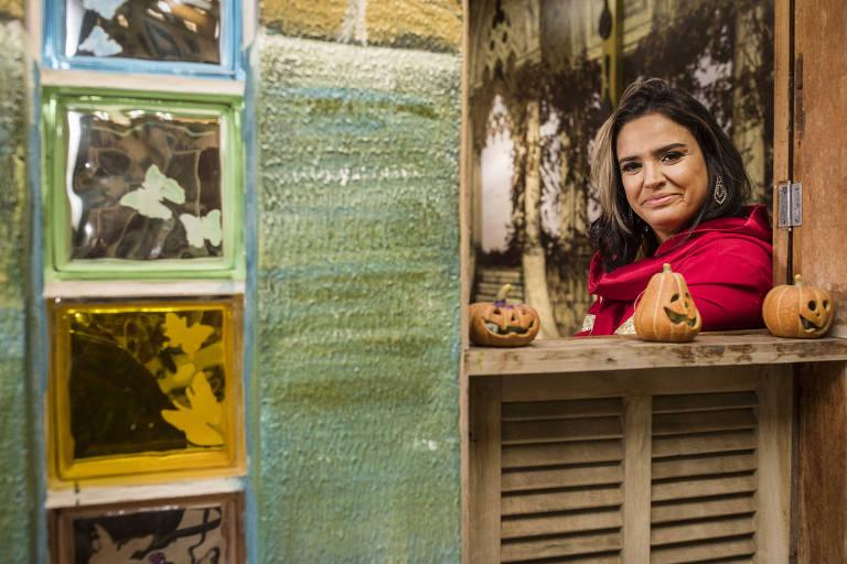 Retrato de Tania Gori, dá ministra aulas na Universidade Livre Holística Casa da Bruxa, em Santo Andre