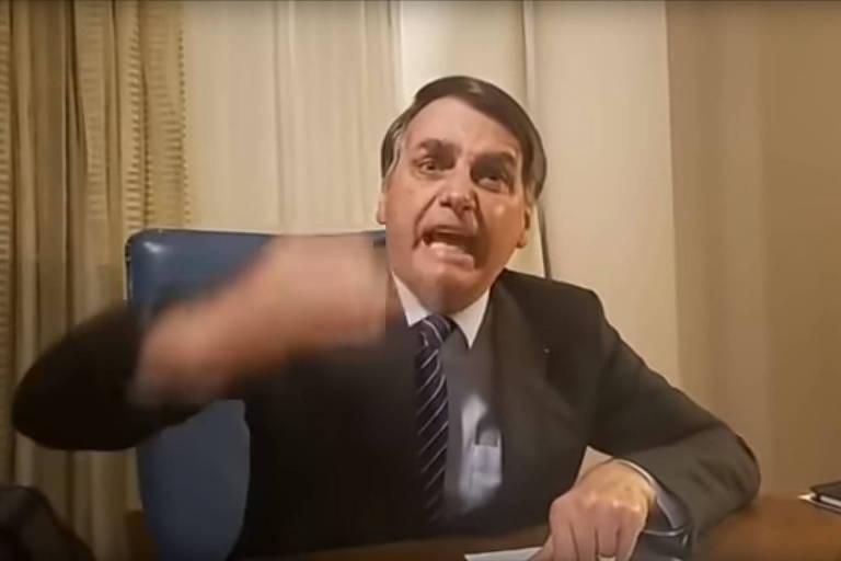 """Bolsonaro, em """"live"""", critica reportagem da Globo sobre suspeitos do caso Marielle em seu condomínio"""