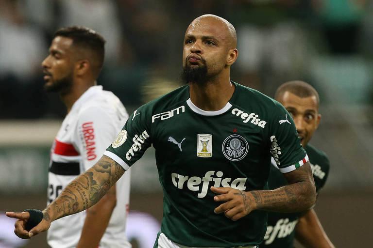O volante Felipe Melo comemora o seu gol, o segundo do Palmeiras na vitória sobre o São Paulo no Allianz Parque