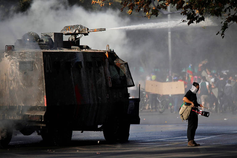 Folha realiza debate sobre eleições e protestos em países da América Latina