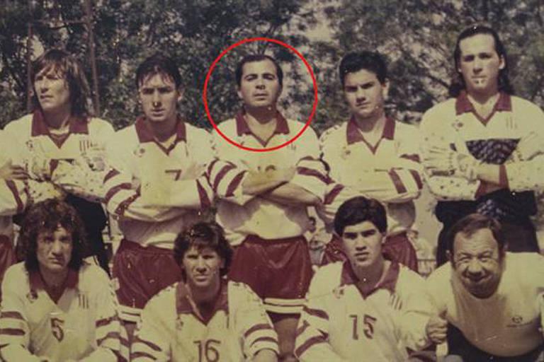 Jorge Sampaoli chegou a ser jogador das categorias de base do Newell's Old Boys, mas encerrou a carreira aos 19 anos por lesões. Depois, rodou por equipes amadoras da região de Rosario