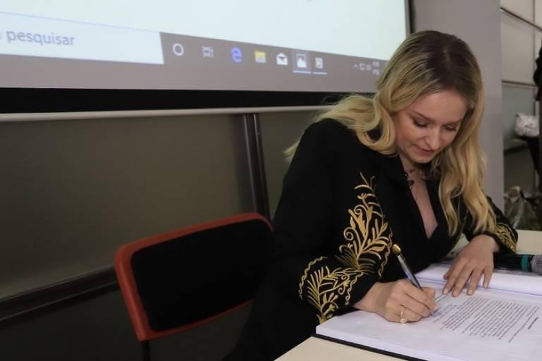 Luciana Vendramini se torna imortal de academia paulistana