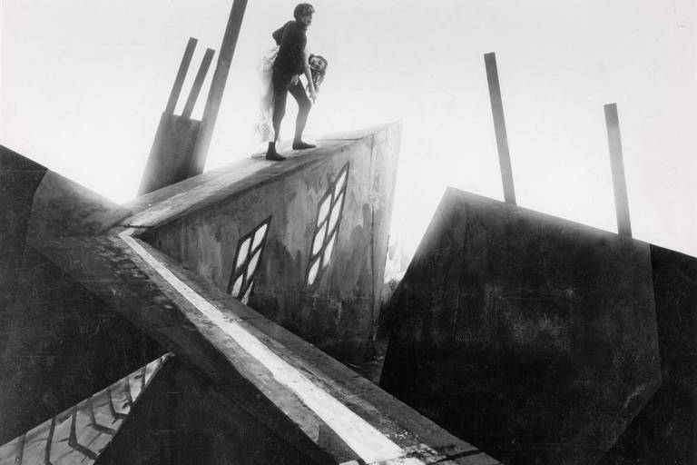Cena do filme 'O Gabinete do Doutor Caligari' (1919)