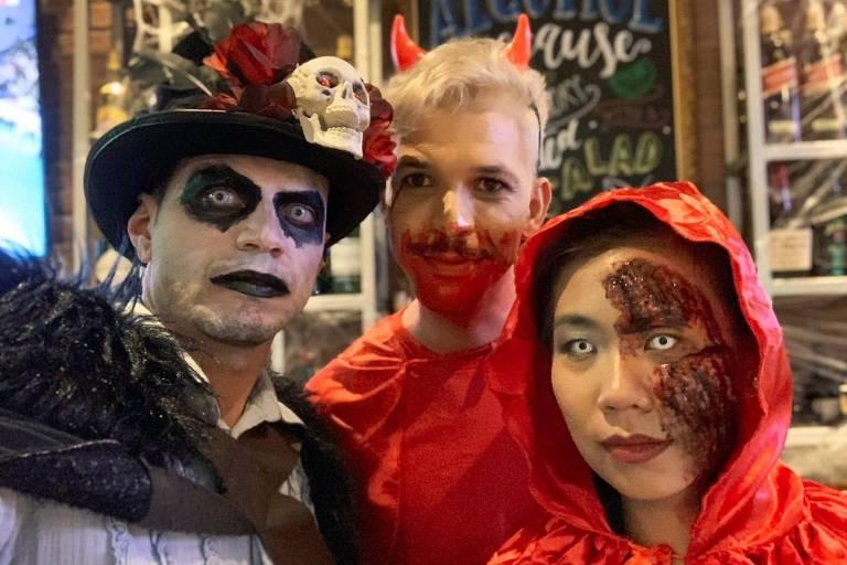 Rafael Alves, de São Paulo (SP), se divertiu com os amigos na festa de Halloween da empresa