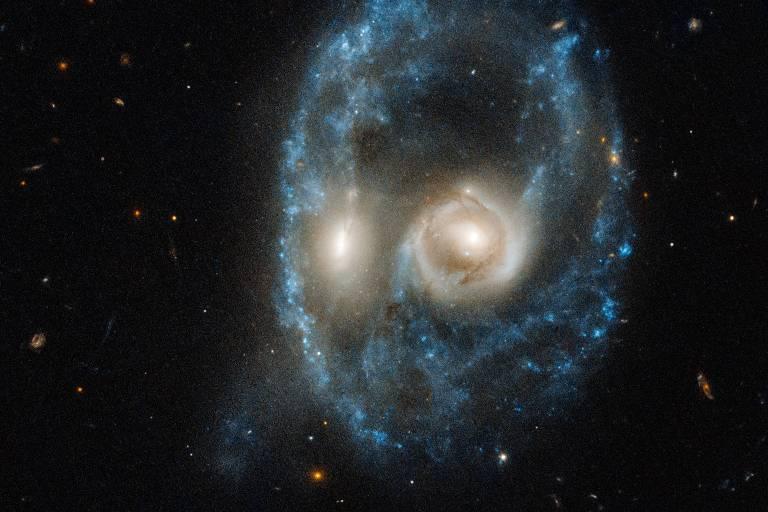 O que é o 'rosto assustador' captado no espaço pelo telescópio Hubble