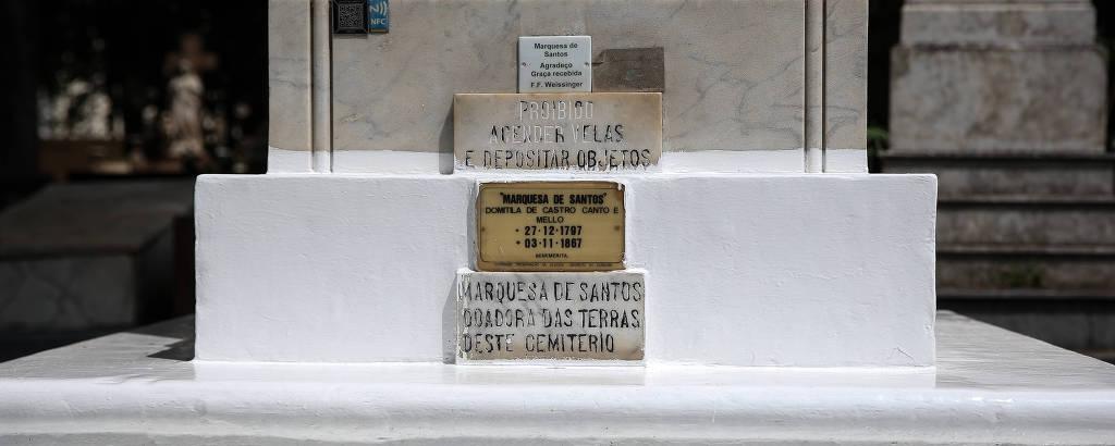 Túmulo de Domitila de Castro do Canto e Mello, a marquesa de Santos, no Cemitério da Consolação