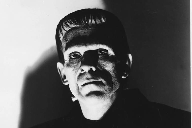 "Cena de ""Frankenstein"" (1931), adaptação mais famosa da criatura de Mary Shelley, interpretada por Boris Karloff"