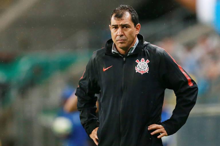 O técnico Fábio Carille, que vive pressão por maus resultados recentes do Corinthians